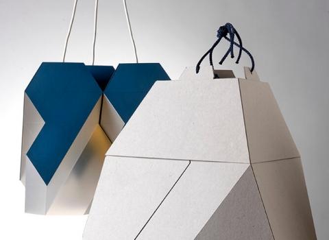 Polygon-9 luster i piramidalno kartonsko pakovanje