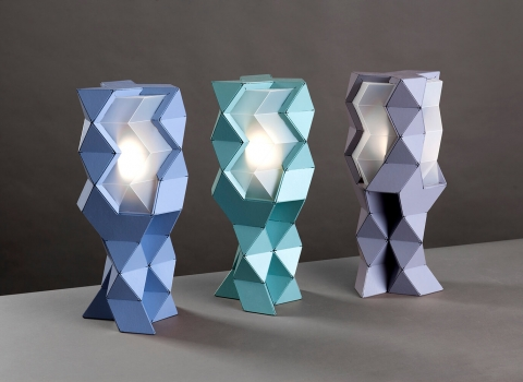 Tetra-E stolna lampa tri u nizu, plava, zelena i ljubičasta